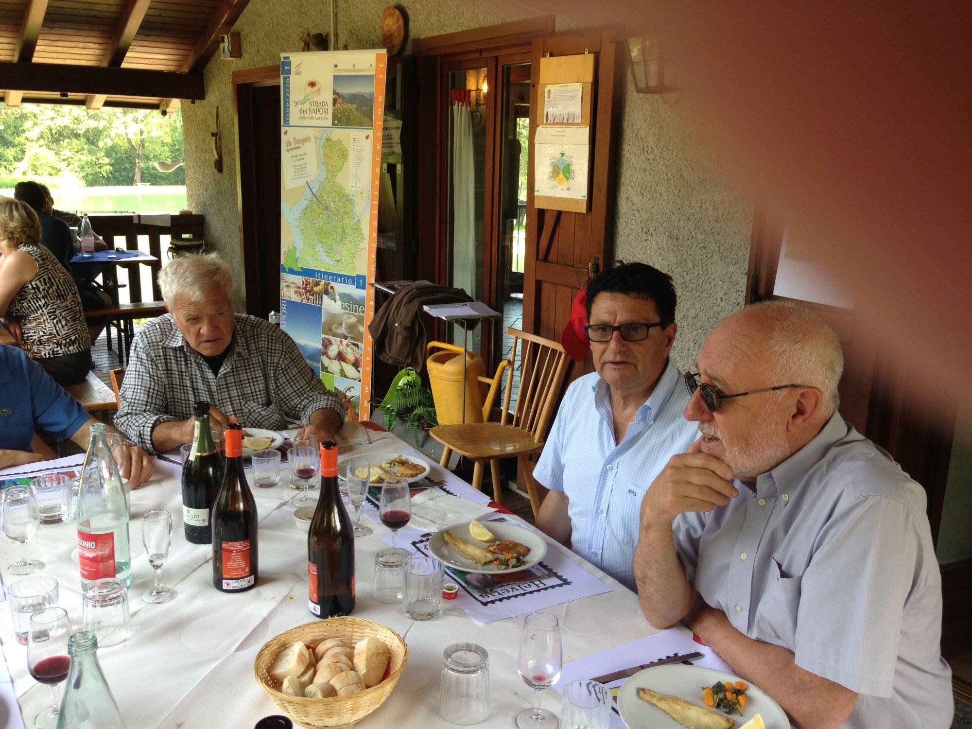 09.06.2013, Agriturismo La Sorgente a Cassano Valcuvia (da Giorgio). Pranzo con gli artisti. Vincenzino Vanetti, Gianni Realini e Luciano Carazzetti