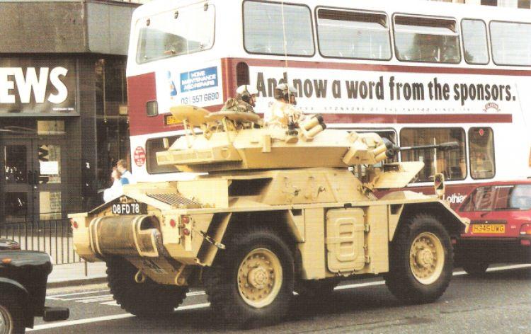 Vediamo chi adesso ha ancora il coraggio di rovinarmi la macchina! (Edimburgo, Gran Bretagna, 1991)
