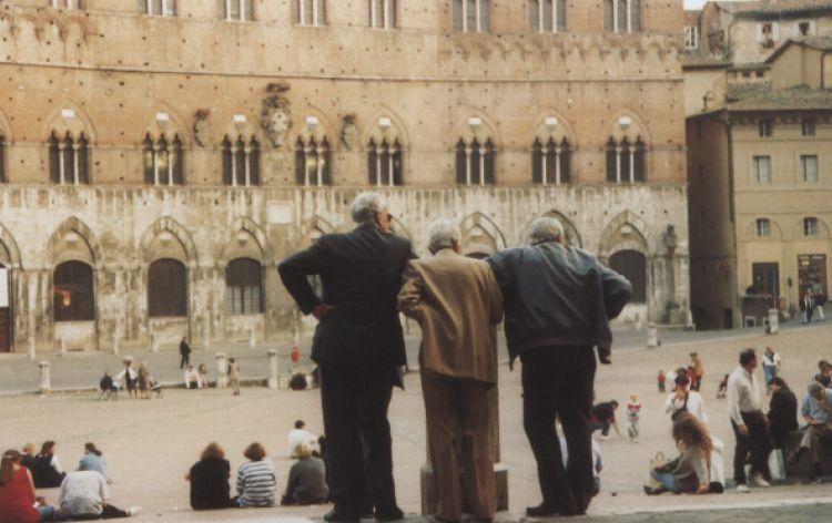 Pensionati al lavoro (Siena, Italia, 1995)