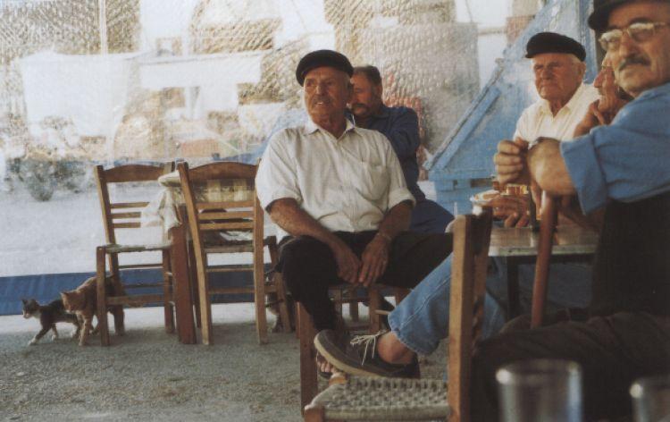 Pensionati in pausa (Kalymnos, Grecia, 1996)