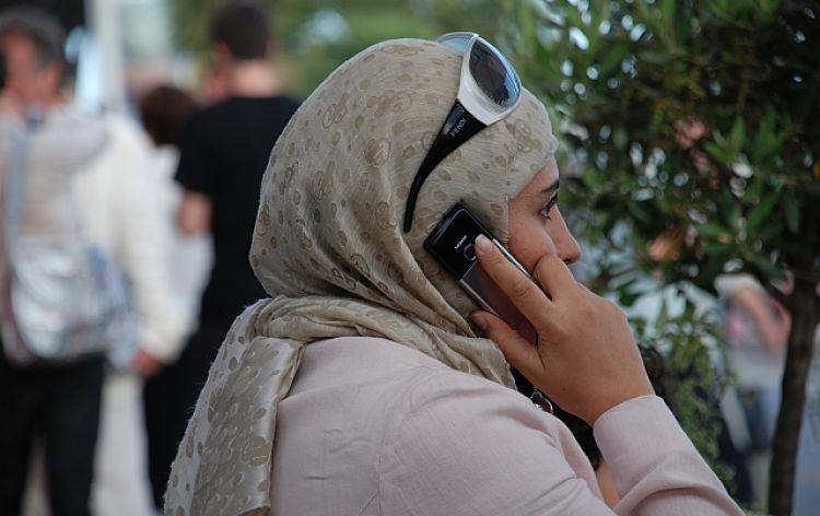 ...comunichiamo apertamente (Cannes, Francia, 2008)