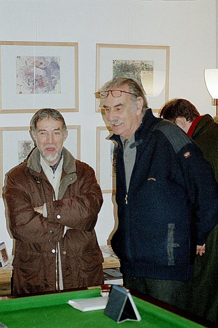 """Foto pubblico della mostra """"La luce della pittura contro i mali esistenziali"""""""