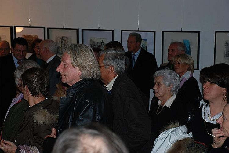 """Foto pubblico della mostra """"Il significato di un'amicizia"""""""