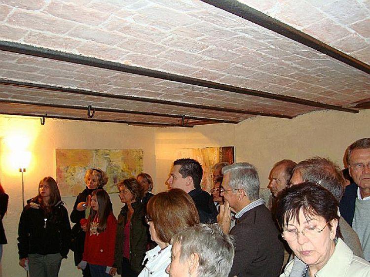 """Foto pubblico della mostra """"Opere recenti, quadri ad olio e sculture in bronzo"""""""