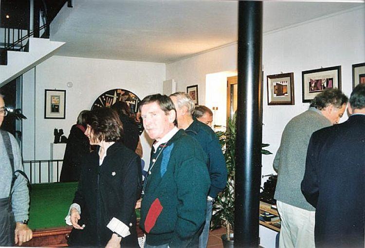 """Foto pubblico della mostra """"Un'alchemista di enigmi, segni e colori"""""""